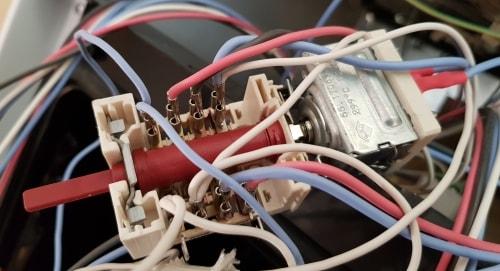 zapojenie prepínača Amica 4 polohový